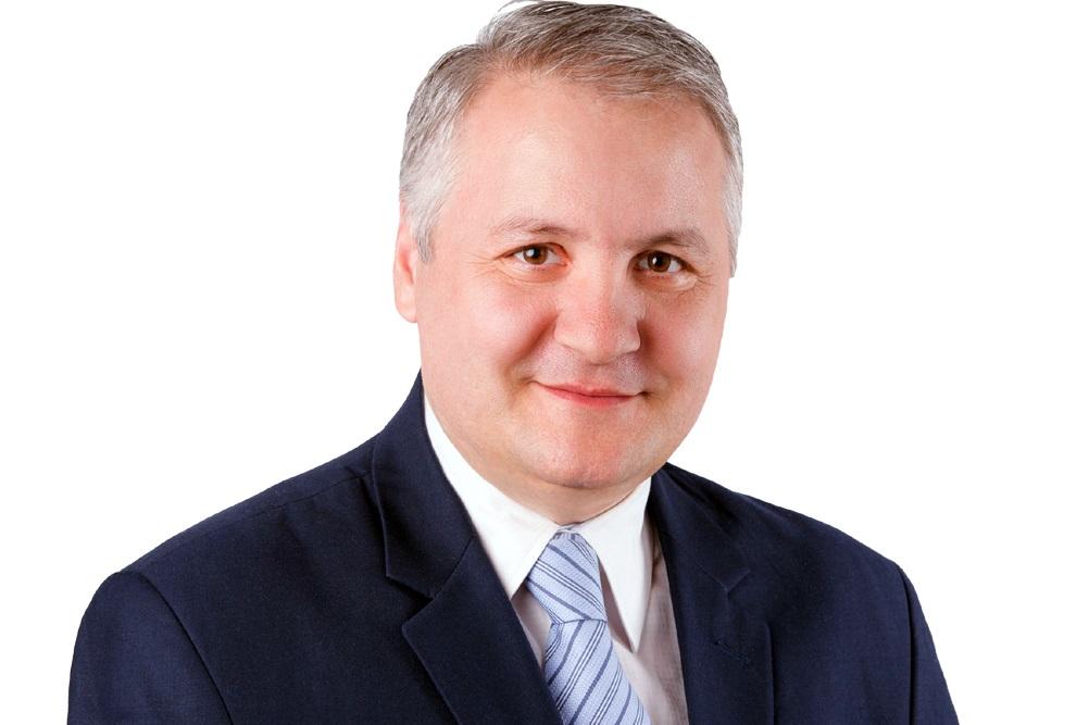 """Sub conducerea directorului Remus Grigorescu, Biblioteca Judeţeană """"Antim Ivireanul"""" din Râmnicu Vâlcea este aproape de Românii de pretutindeni"""